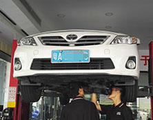 丰田锐志自动变速箱维修:冲击、故障灯闪亮