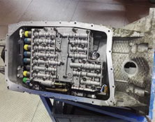 捷豹自动变速箱维修:1挡升2挡有冲击现象